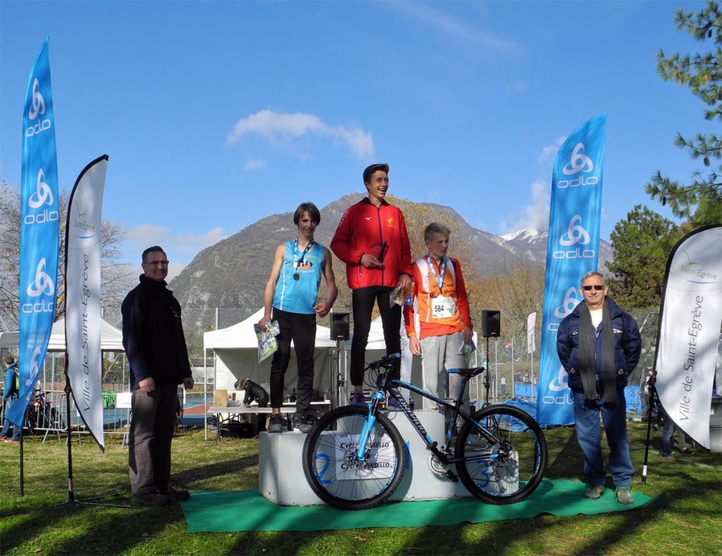 Cross de la Ville de Saint-Egrève 2017: podium minimes garçons
